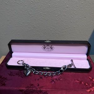 Juicy Couture starter bracelet silver tone in box